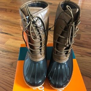 New Duck boots